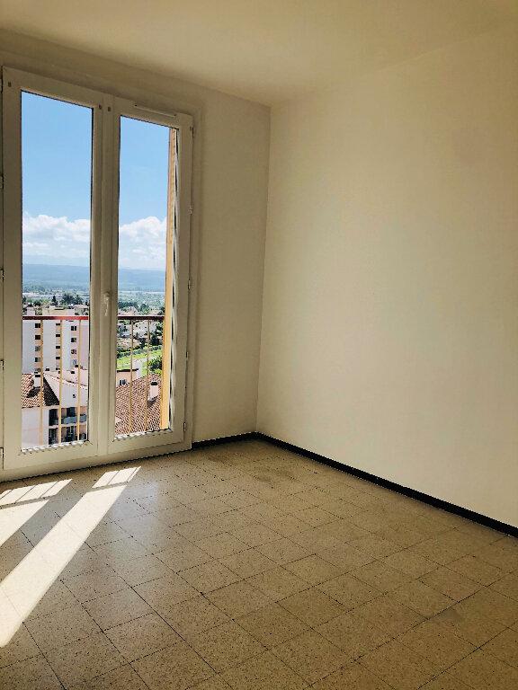 Appartement à louer 4 72.08m2 à Manosque vignette-4