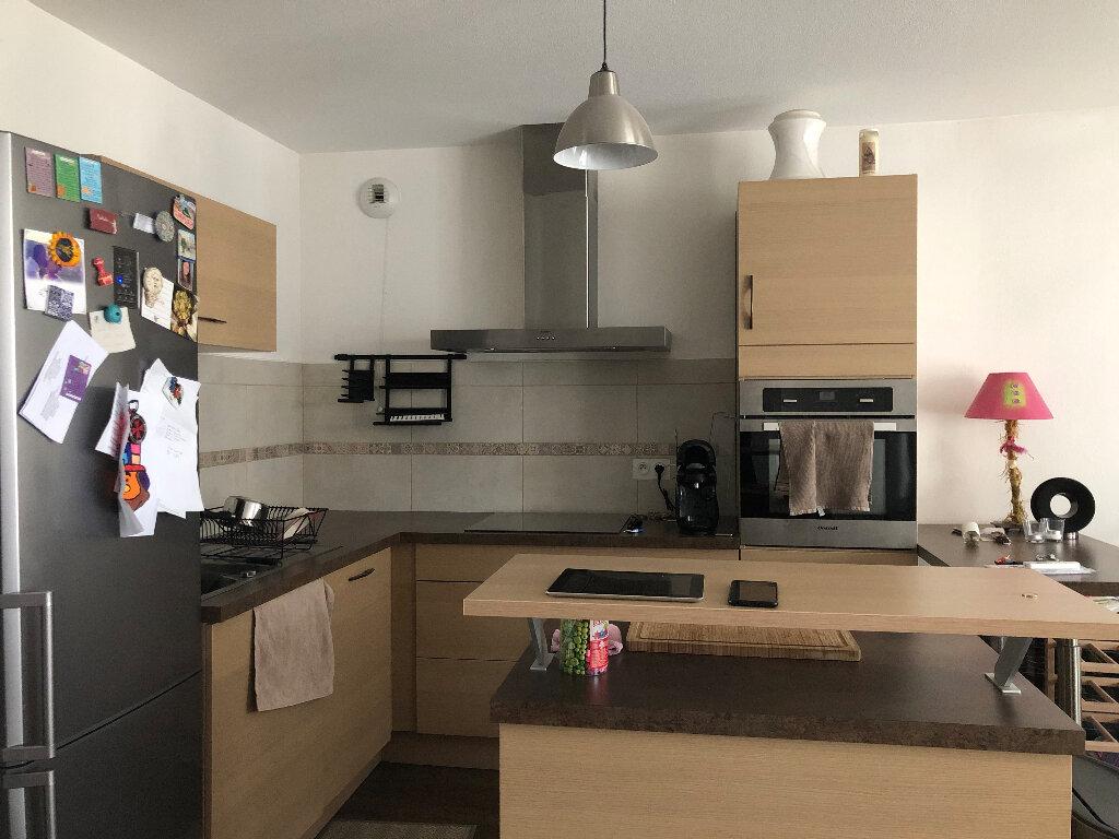 Appartement à louer 3 63.72m2 à Manosque vignette-2