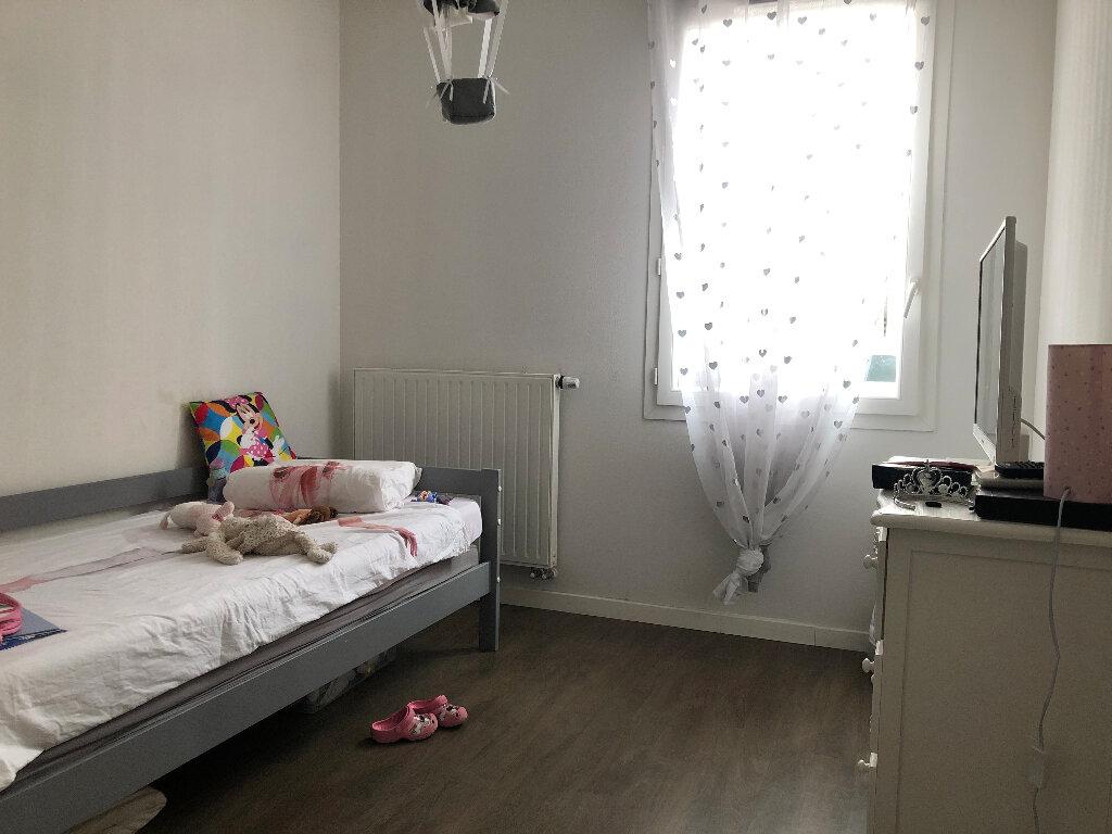 Appartement à louer 3 63.72m2 à Manosque vignette-5