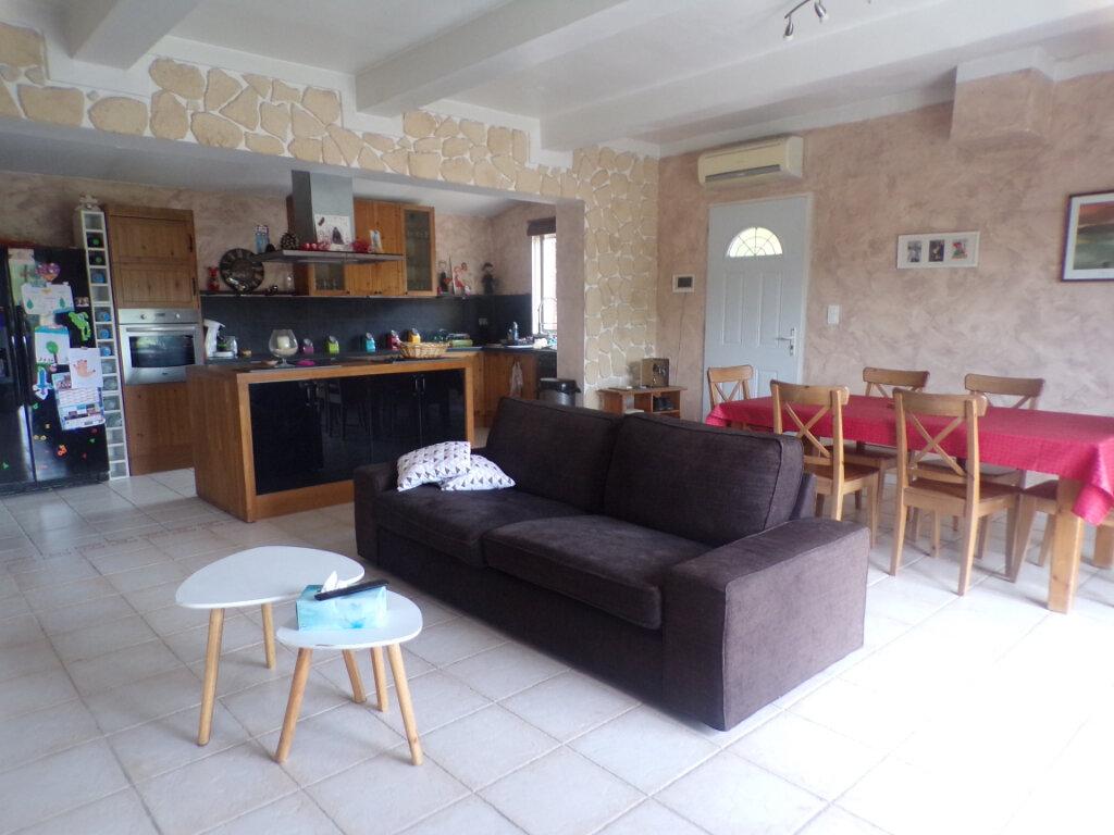 Maison à vendre 5 121m2 à La Tour-d'Aigues vignette-6