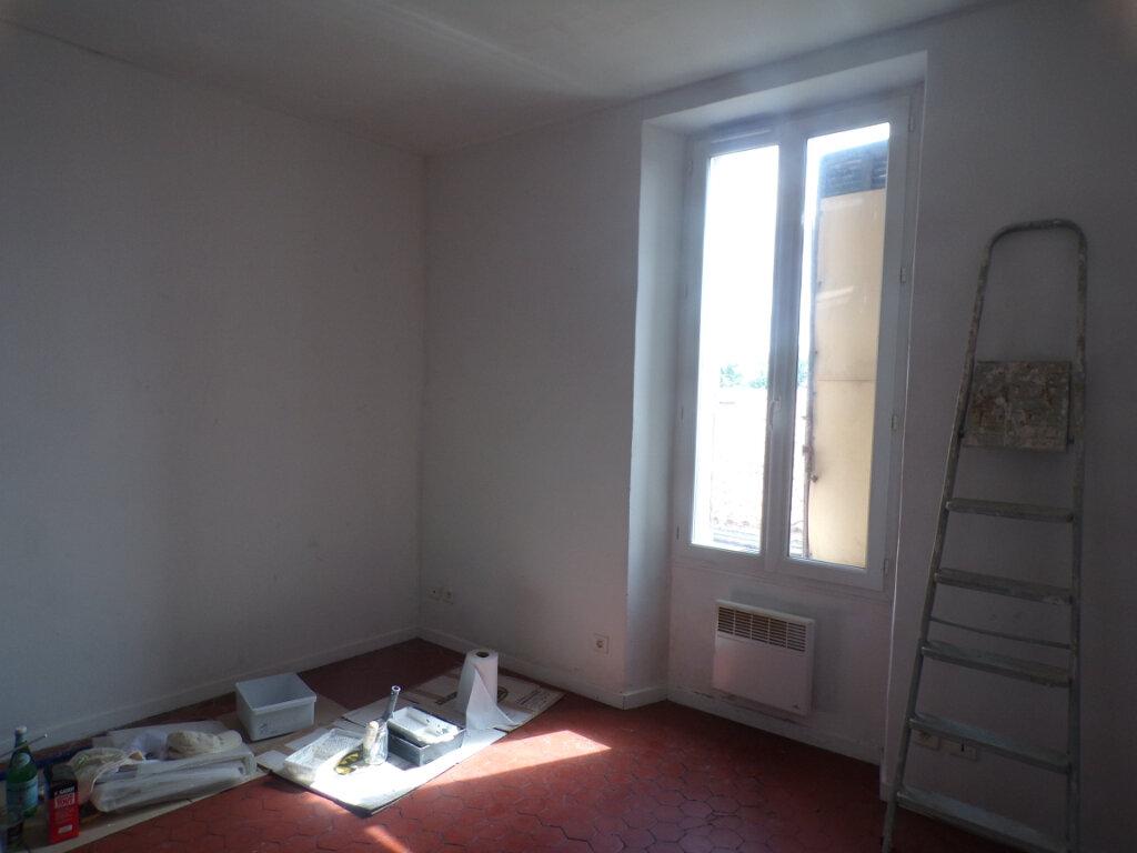 Appartement à louer 1 20.57m2 à La Tour-d'Aigues vignette-2