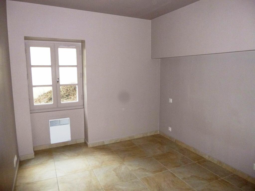 Appartement à louer 3 69m2 à Carpentras vignette-4