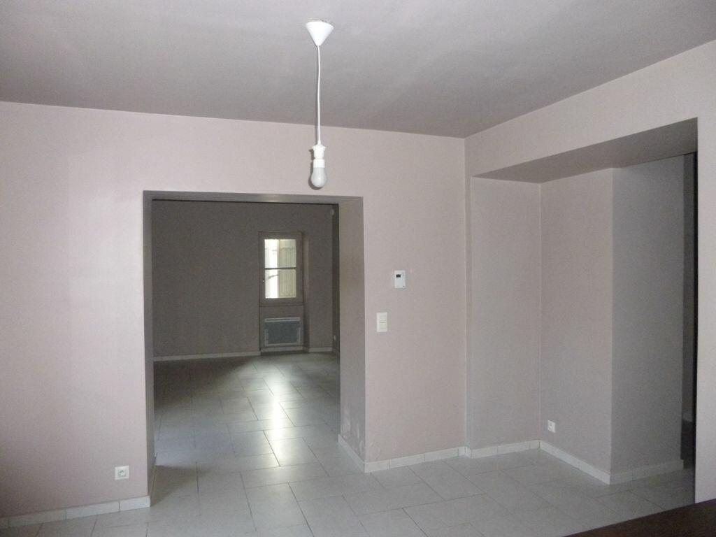 Appartement à louer 3 69m2 à Carpentras vignette-5