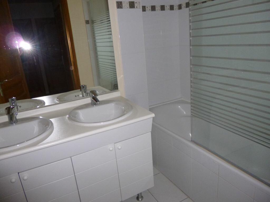 Appartement à louer 3 69m2 à Carpentras vignette-6