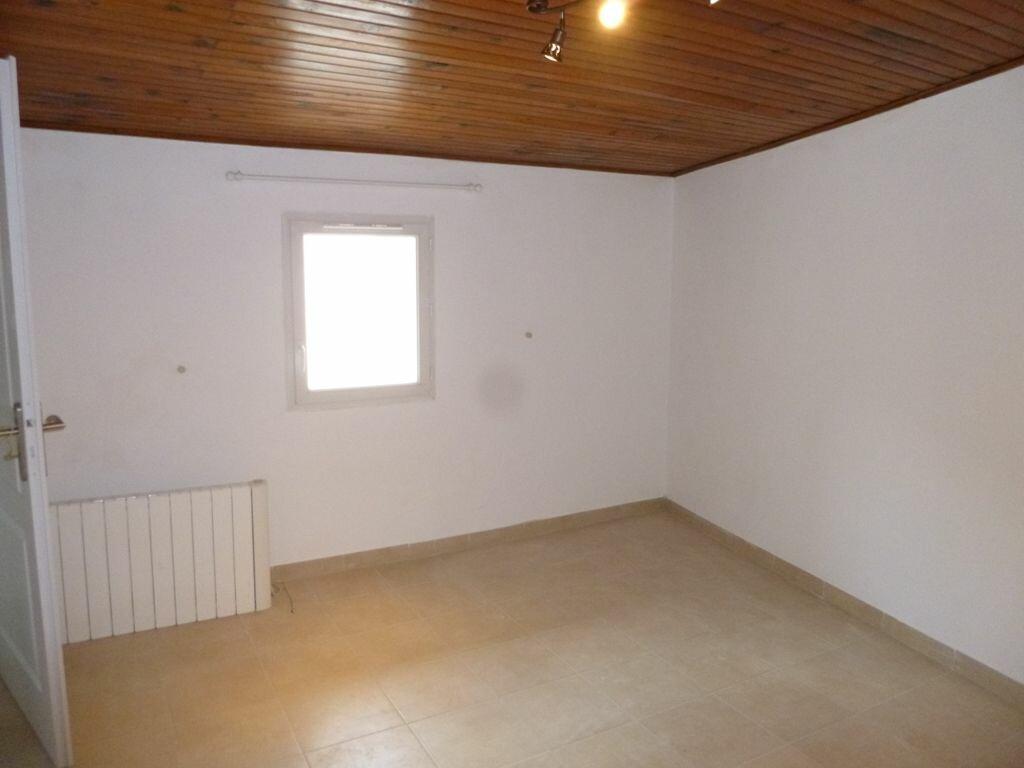 Maison à louer 4 114m2 à Beaumes-de-Venise vignette-4