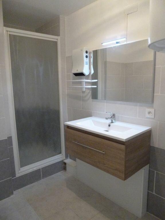 Appartement à louer 2 40m2 à Carpentras vignette-3