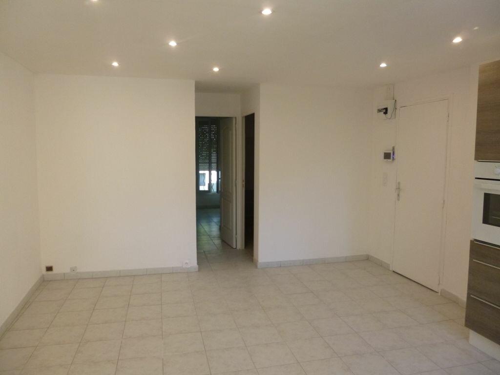 Appartement à louer 2 40m2 à Carpentras vignette-4