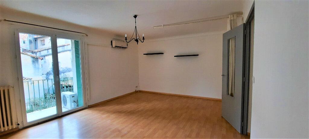 Appartement à louer 1 37m2 à Carpentras vignette-2