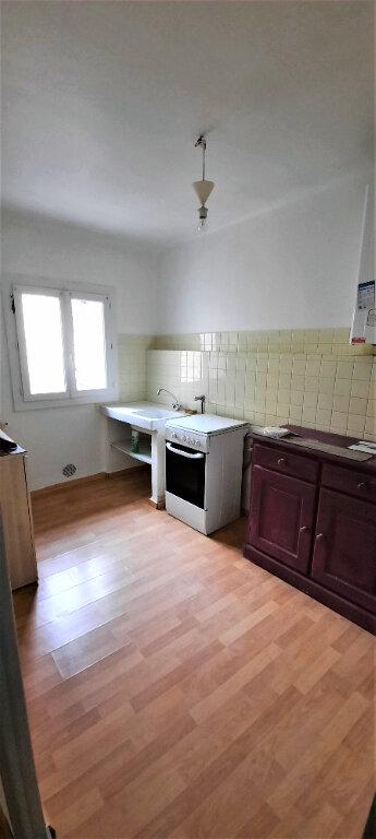 Appartement à louer 1 37m2 à Carpentras vignette-3