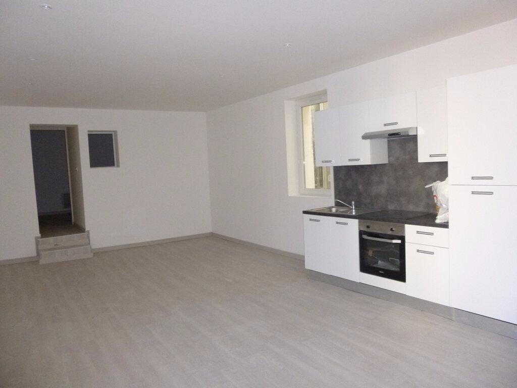 Appartement à louer 3 80m2 à Carpentras vignette-1