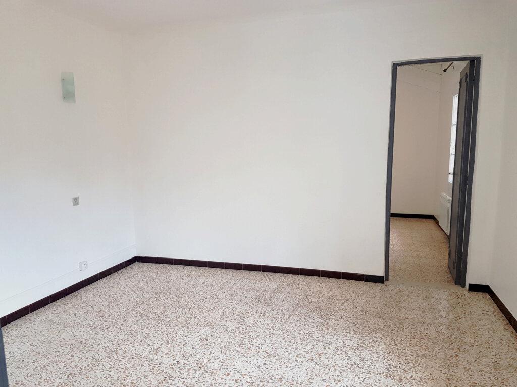 Appartement à louer 3 60m2 à Bédoin vignette-4