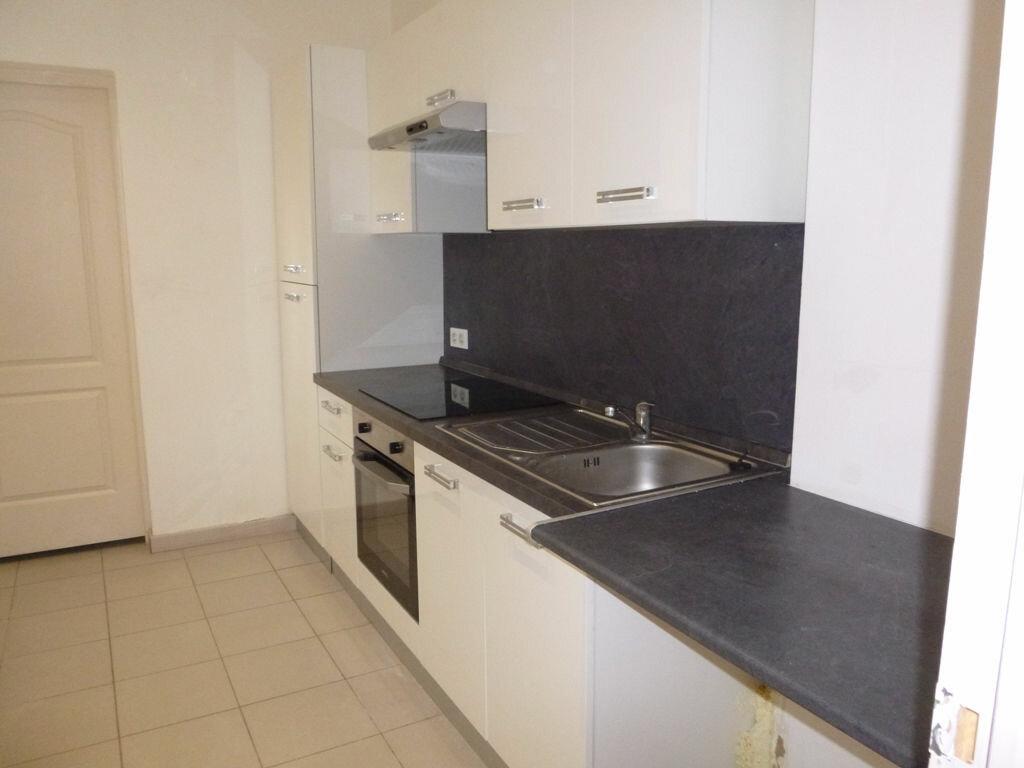 Appartement à louer 3 78m2 à Carpentras vignette-1