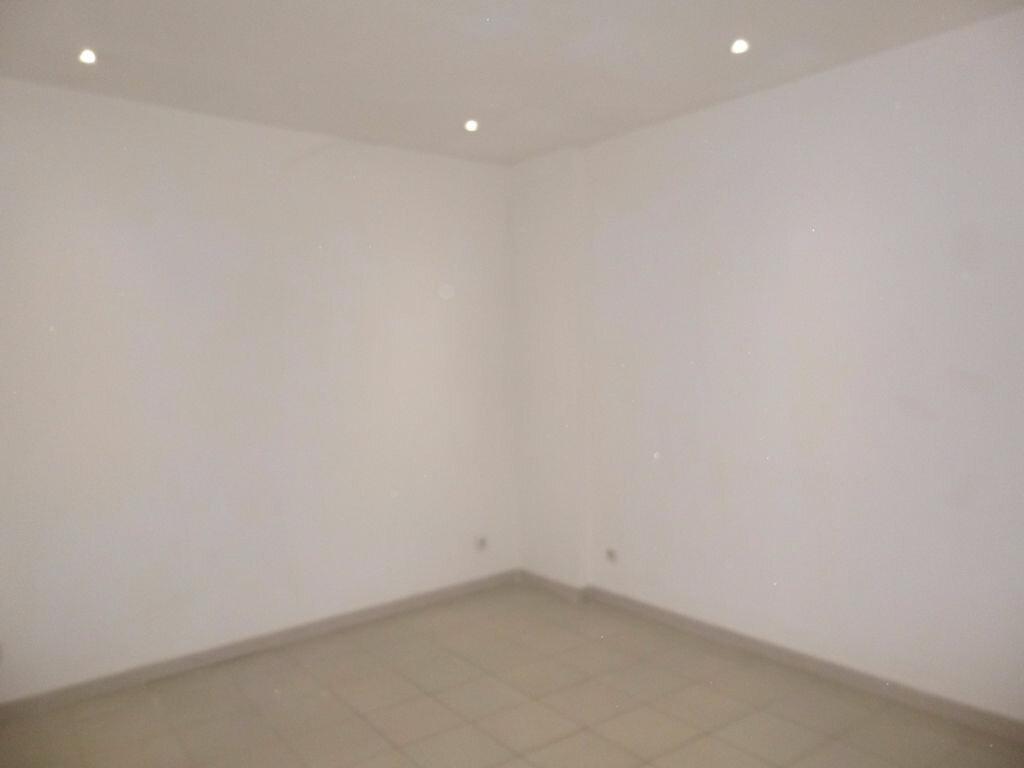 Appartement à louer 3 78m2 à Carpentras vignette-3