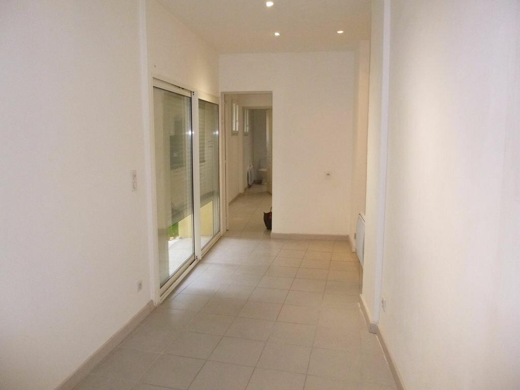 Appartement à louer 3 78m2 à Carpentras vignette-4