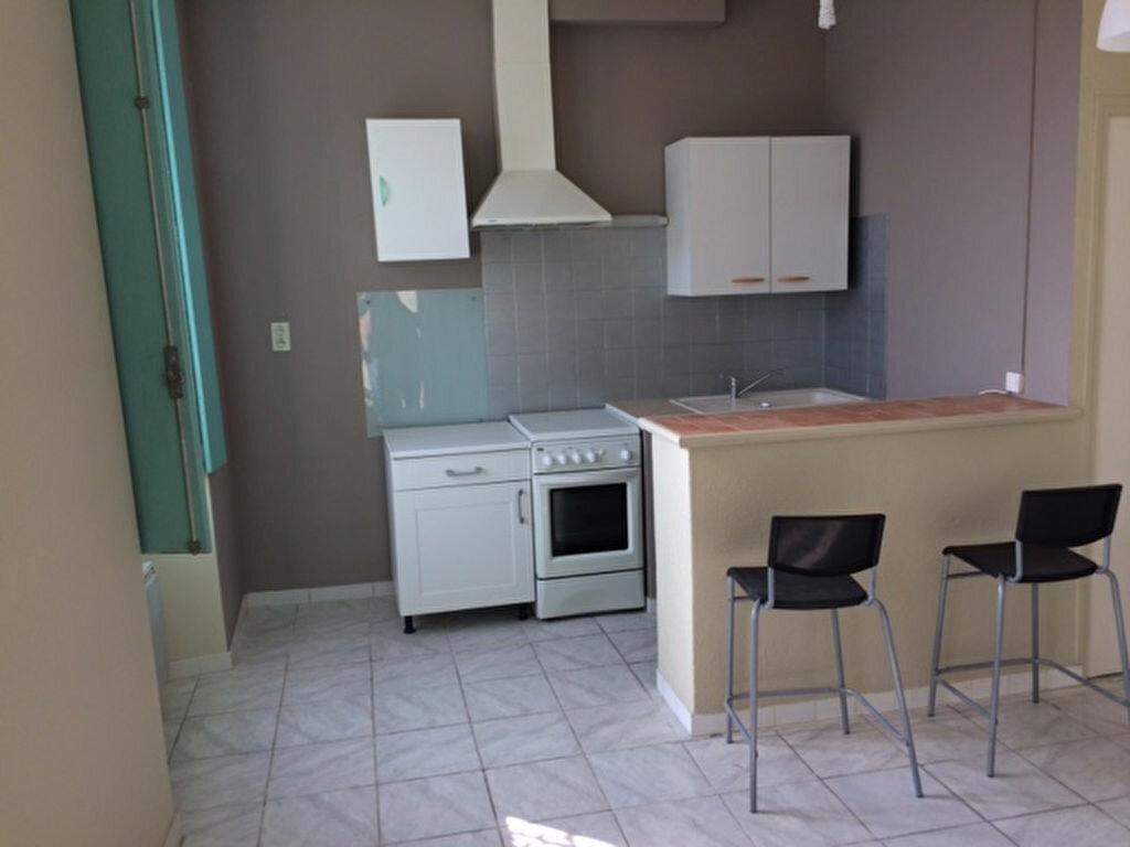 Appartement à louer 2 33.74m2 à Carpentras vignette-1