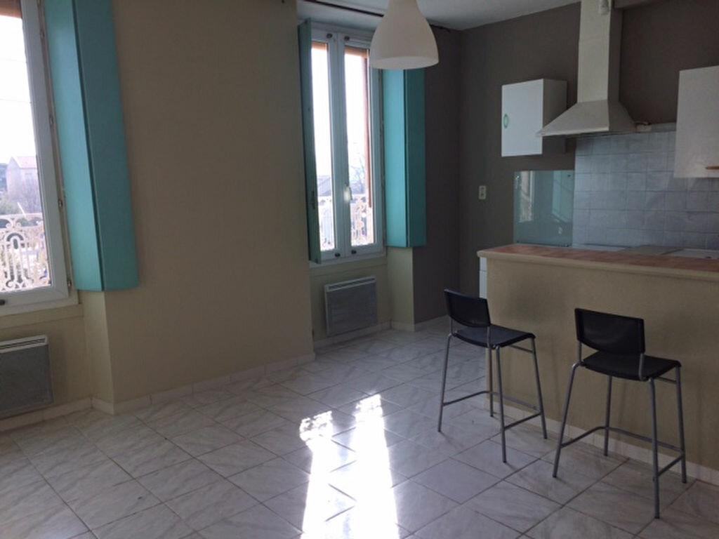 Appartement à louer 2 33.74m2 à Carpentras vignette-2