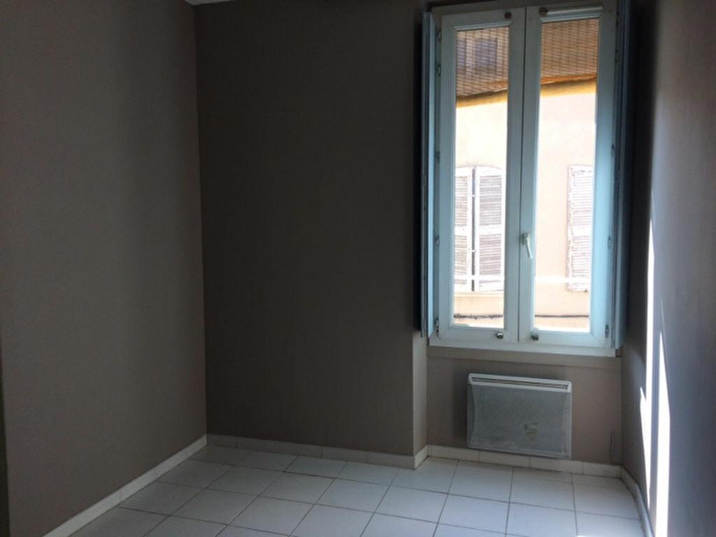 Appartement à louer 2 33.74m2 à Carpentras vignette-3