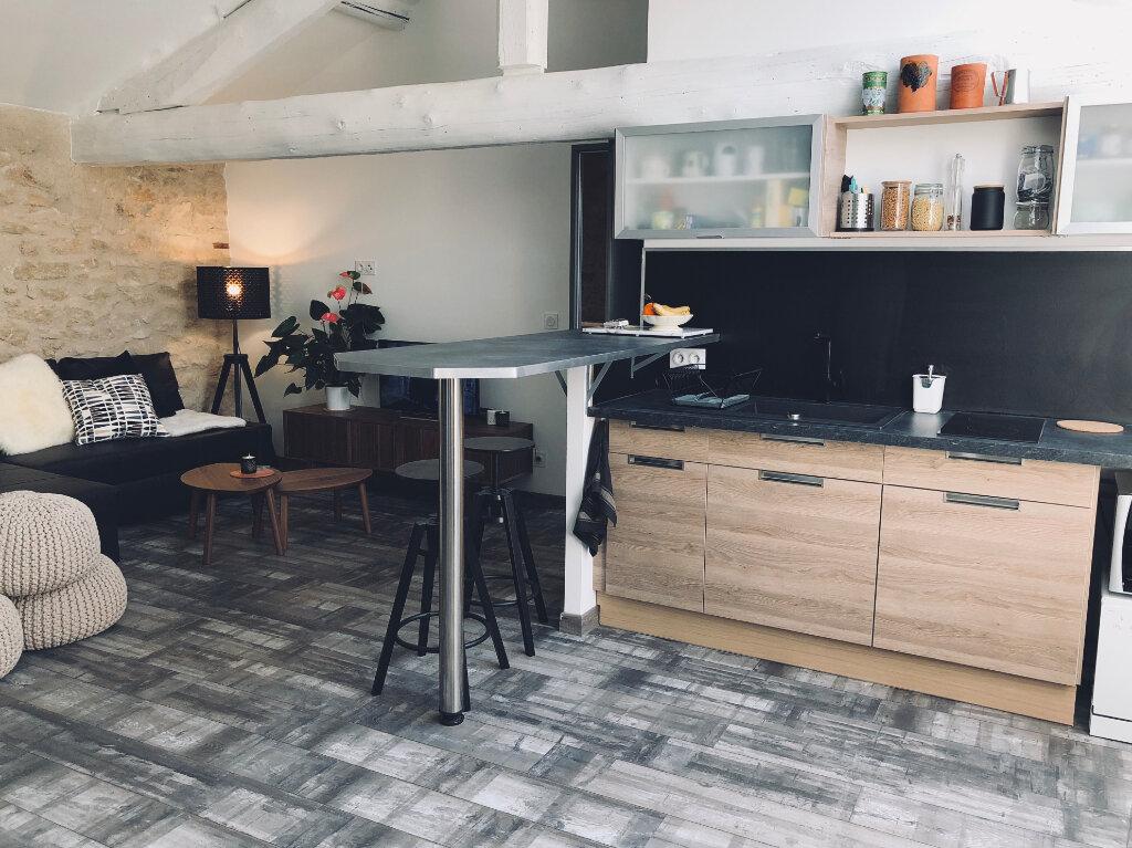 Appartement à louer 2 53m2 à Carpentras vignette-2