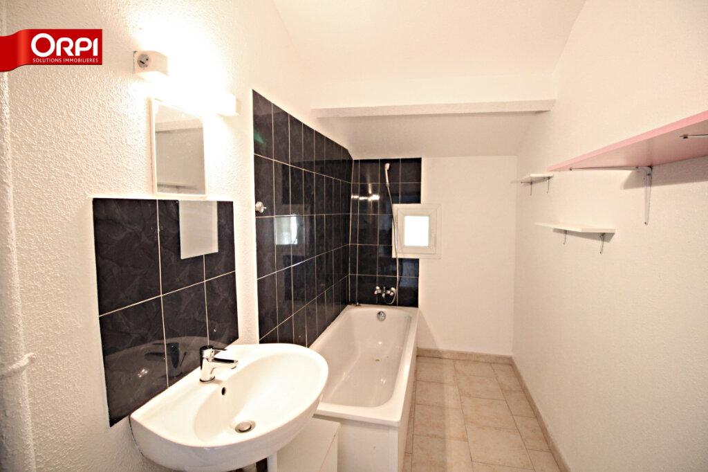 Appartement à louer 3 75m2 à Carpentras vignette-2
