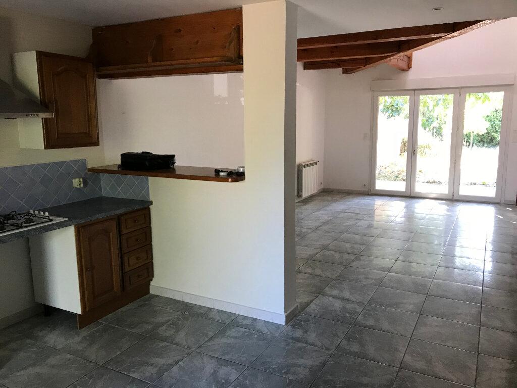Maison à vendre 4 102m2 à Carpentras vignette-3