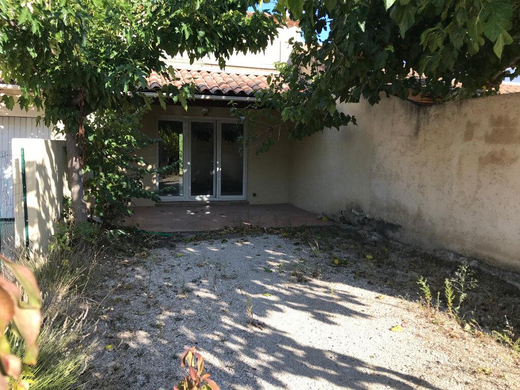 Maison à vendre 4 102m2 à Carpentras vignette-4