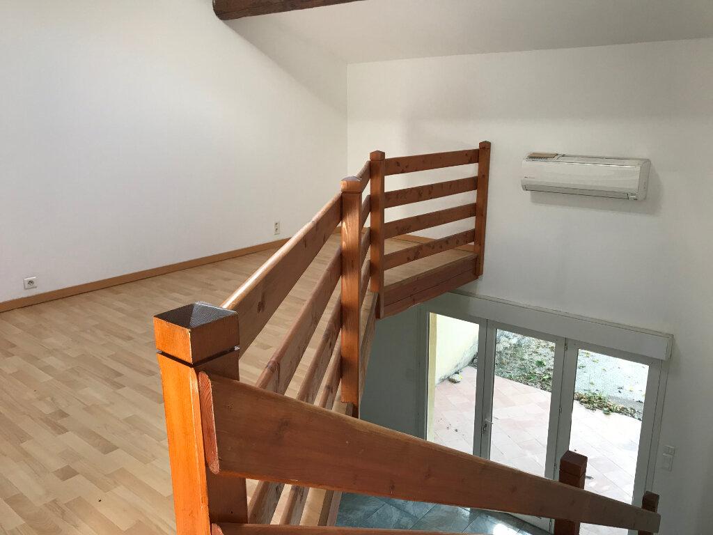 Maison à vendre 4 102m2 à Carpentras vignette-7