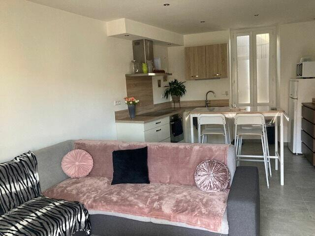 Appartement à louer 3 55m2 à Carpentras vignette-2