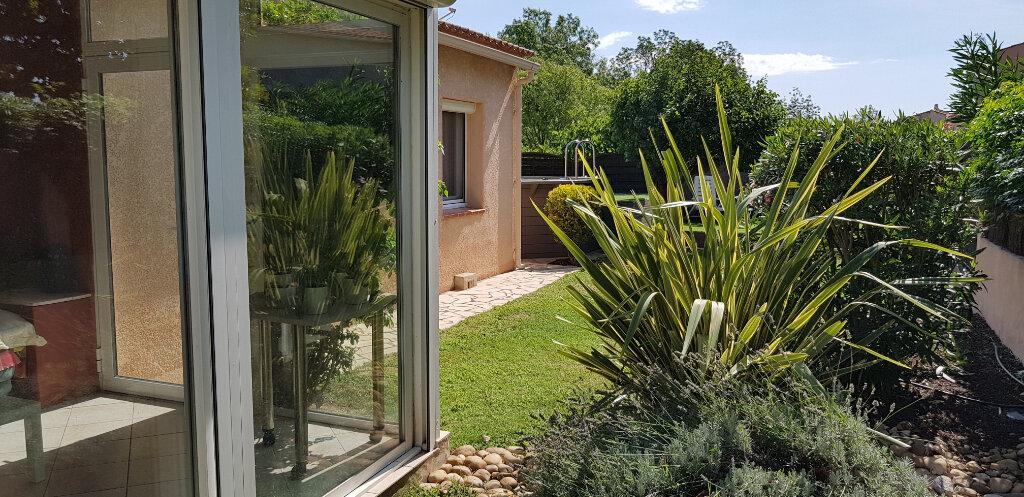 Maison à louer 4 110m2 à Solliès-Pont vignette-1