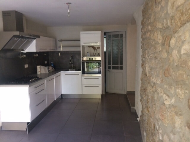 Maison à louer 4 150m2 à Aubignan vignette-4