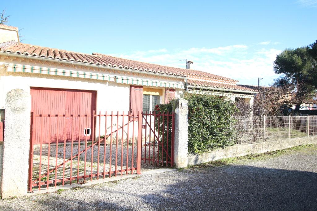 Maison à vendre 3 75m2 à Carpentras vignette-2