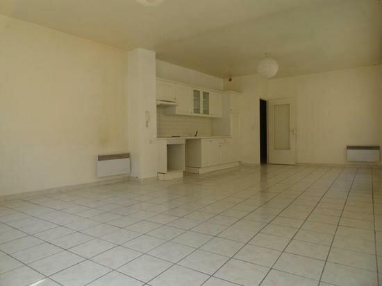 Appartement à louer 3 81m2 à Avignon vignette-1