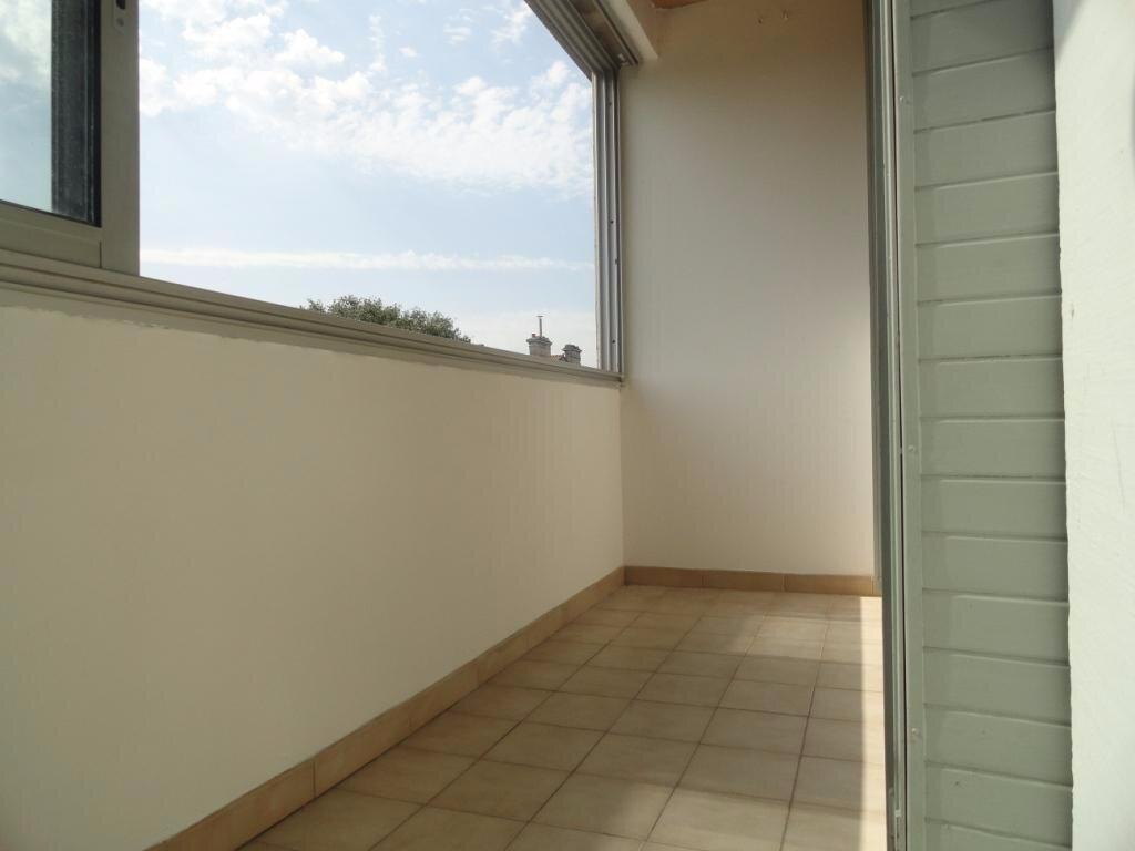 Appartement à louer 2 40m2 à Avignon vignette-4