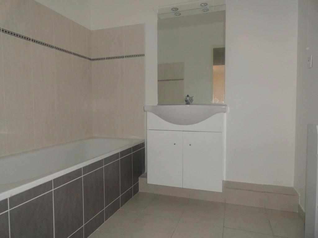 Appartement à louer 2 42m2 à Avignon vignette-3