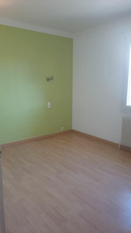 Appartement à louer 4 100.98m2 à Domazan vignette-4