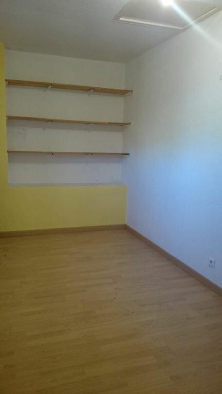 Appartement à louer 4 100.98m2 à Domazan vignette-5