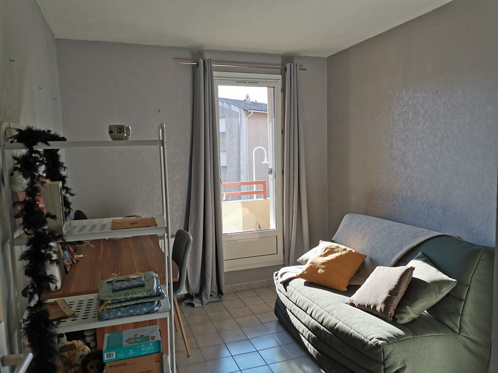 Appartement à louer 3 69.42m2 à Villeneuve-lès-Avignon vignette-3