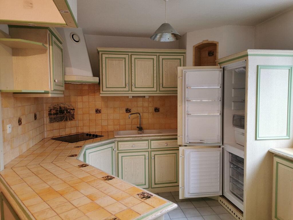 Appartement à louer 3 69.42m2 à Villeneuve-lès-Avignon vignette-5
