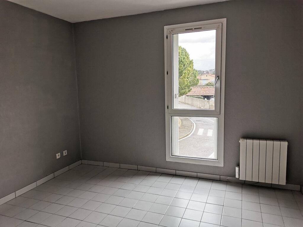 Appartement à louer 3 69.42m2 à Villeneuve-lès-Avignon vignette-7