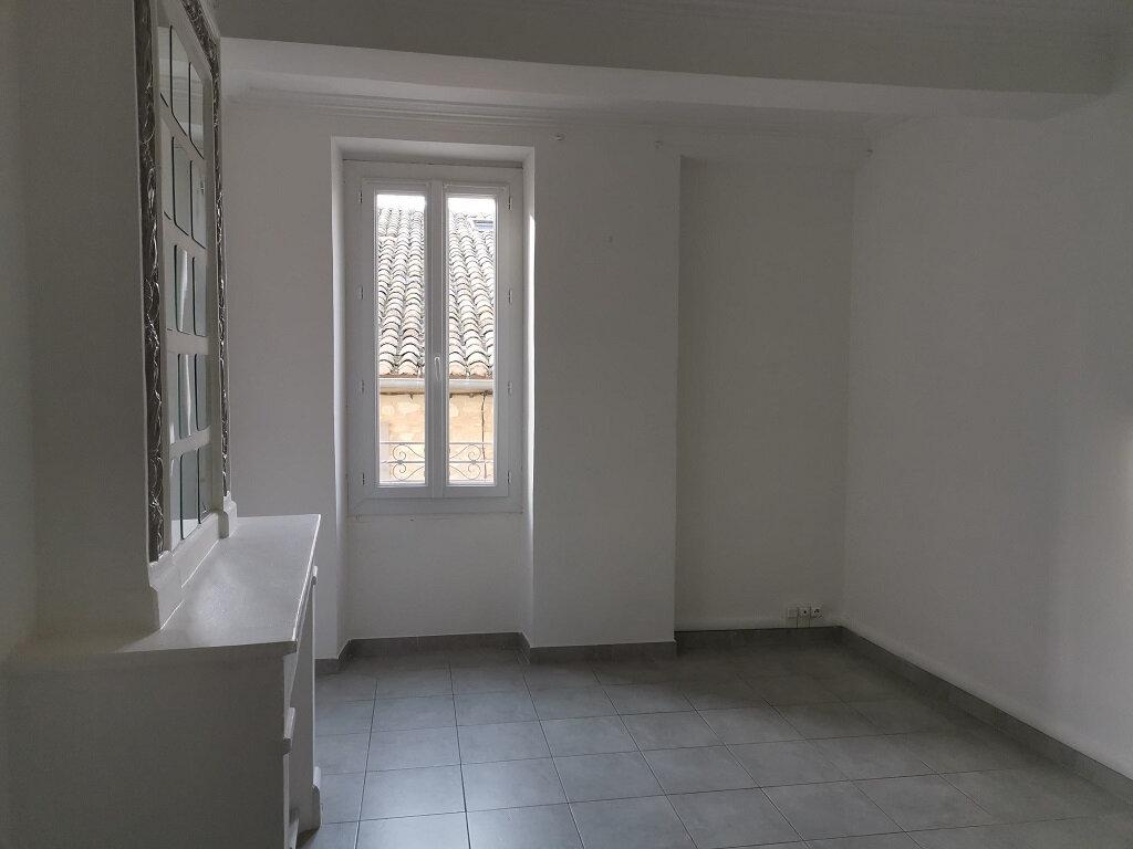 Appartement à louer 3 62m2 à Rochefort-du-Gard vignette-3