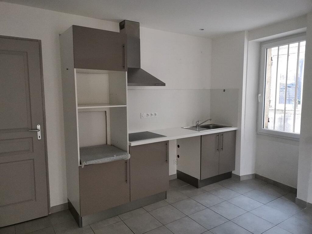 Appartement à louer 3 62m2 à Rochefort-du-Gard vignette-6