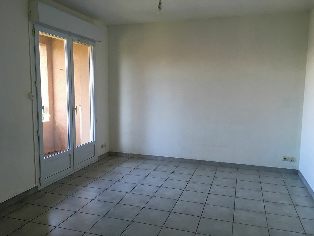 Appartement à louer 2 36m2 à Les Angles vignette-1