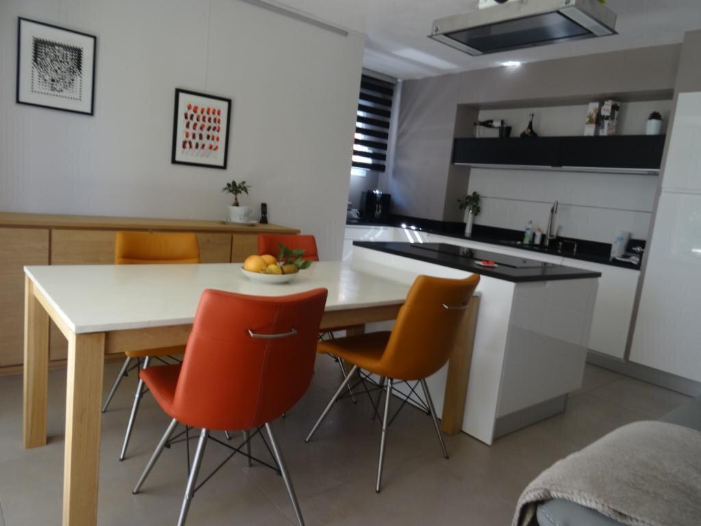 Appartement à vendre 4 79m2 à Avignon vignette-8