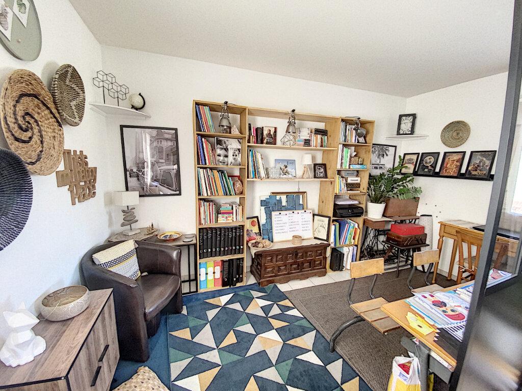 Appartement à vendre 3 66.85m2 à Avignon vignette-3