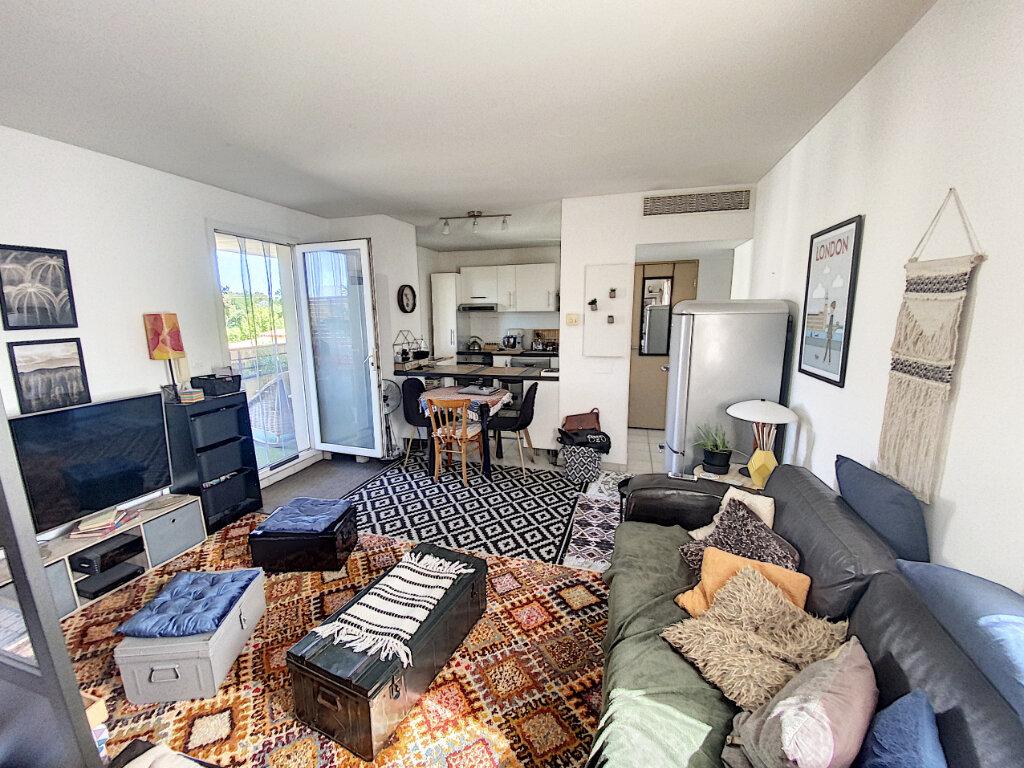 Appartement à vendre 3 66.85m2 à Avignon vignette-4