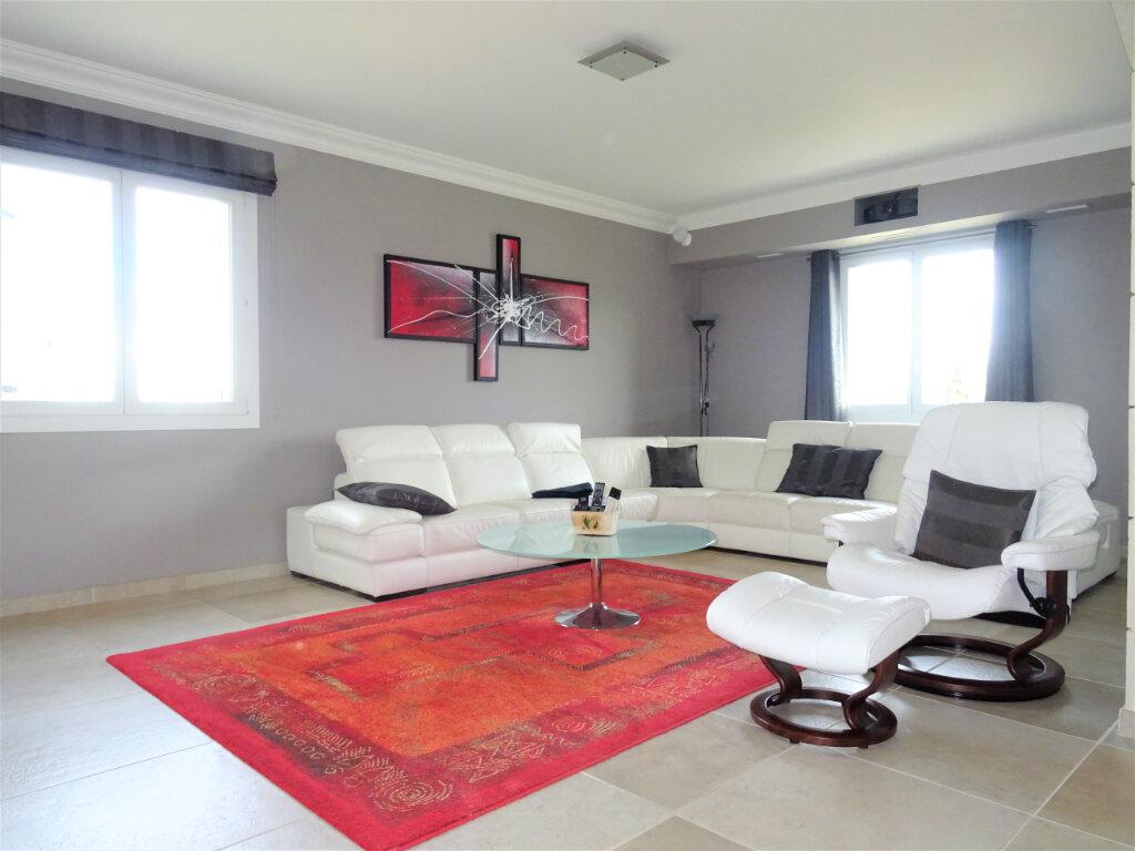 Maison à vendre 10 270m2 à Saint-Geniès-de-Comolas vignette-5