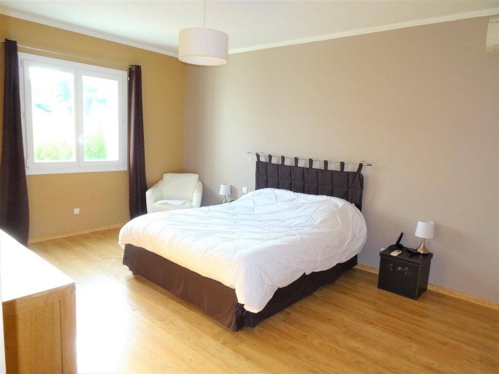 Maison à vendre 10 270m2 à Saint-Geniès-de-Comolas vignette-7