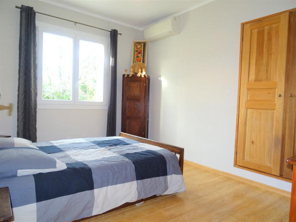 Maison à vendre 10 270m2 à Saint-Geniès-de-Comolas vignette-8