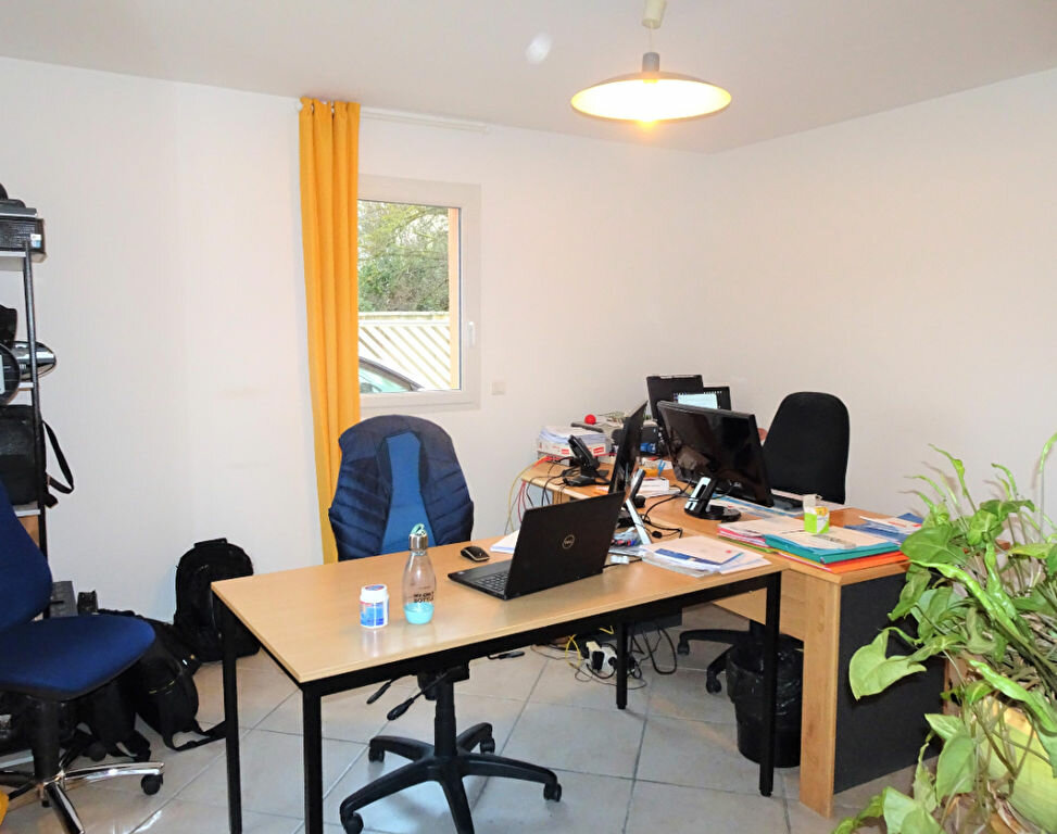 Maison à vendre 4 81m2 à Lirac vignette-4
