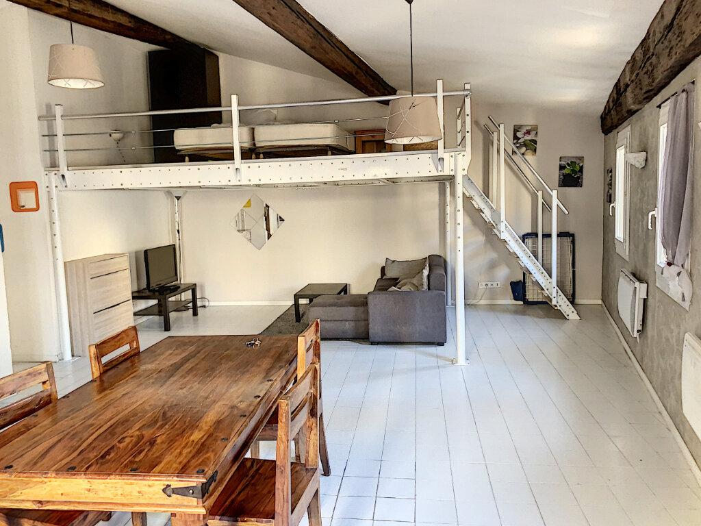 Appartement à vendre 2 65m2 à Avignon vignette-3