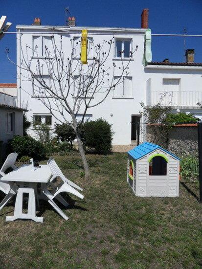 Appartement à louer 4 68.91m2 à La Rochelle vignette-1